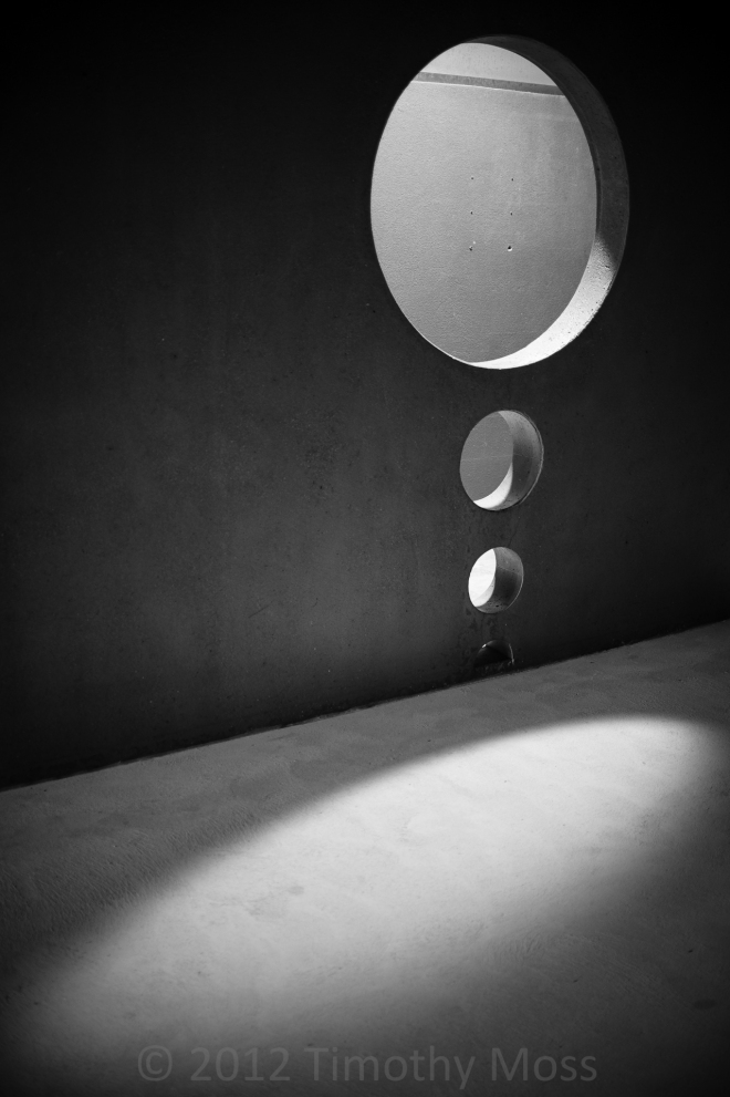 Shadows-highlights-black-and-white
